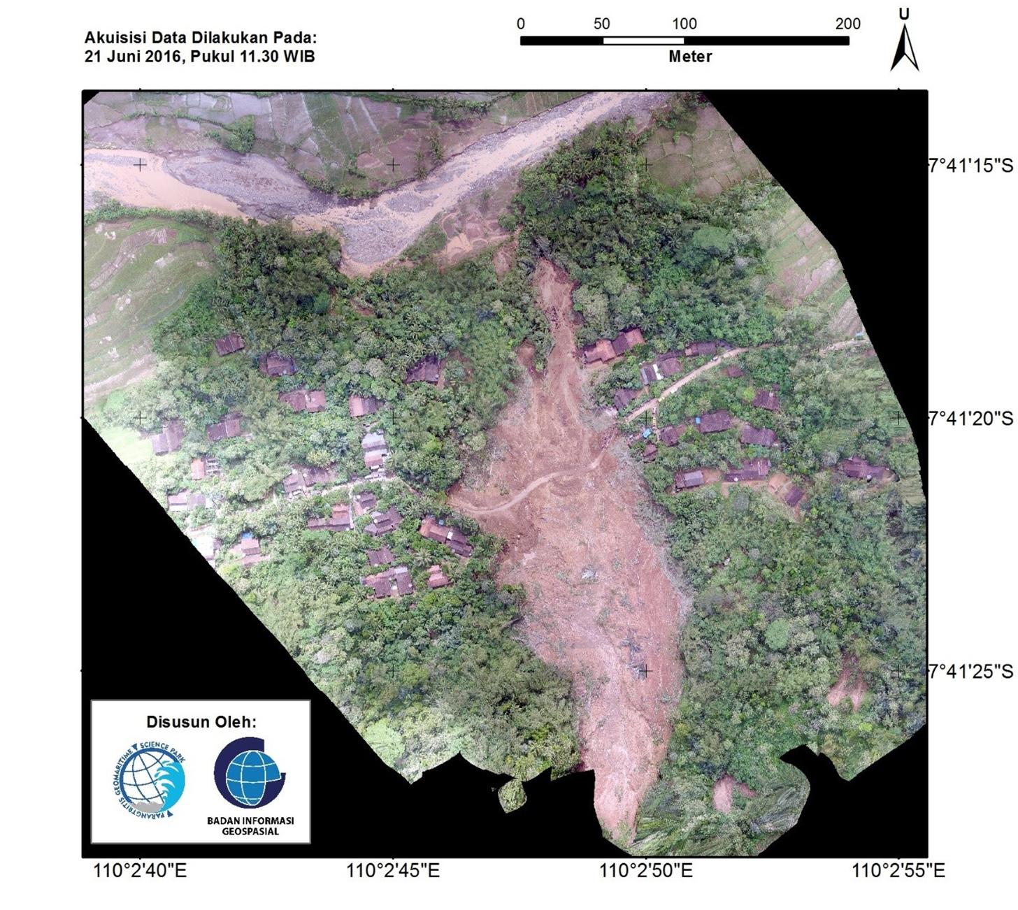 foto udara longsor Loano
