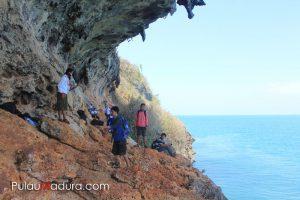 Gambar 3. Wisata Alam Tebing Betoh Cangge Sumber: Info Madura (2015)