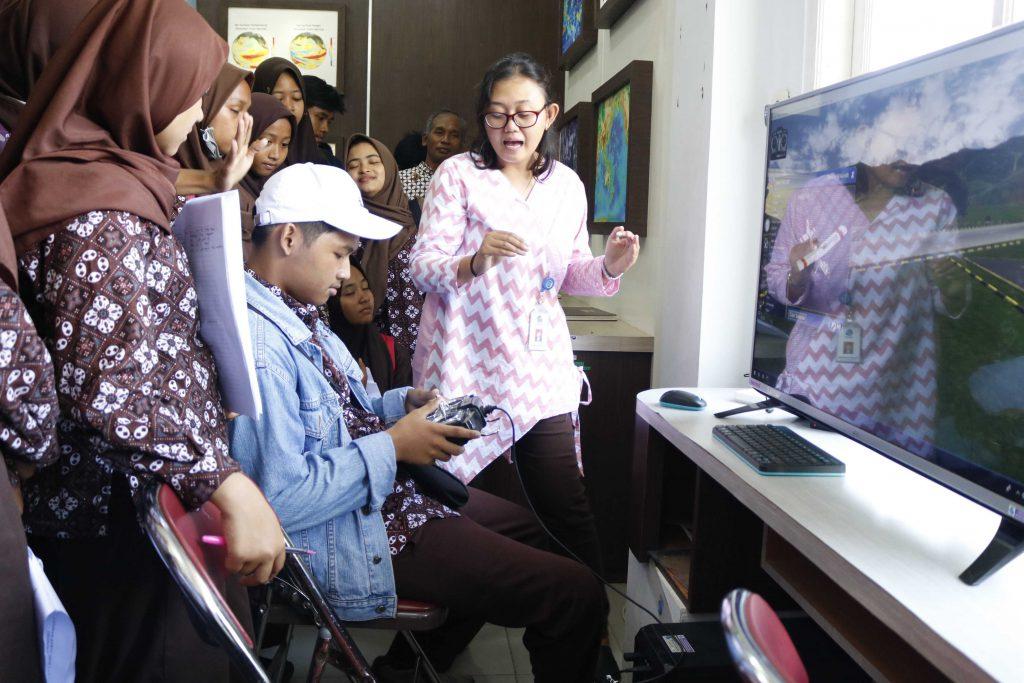 Terdapat juga simulator drone di Museum Gumuk Pasir