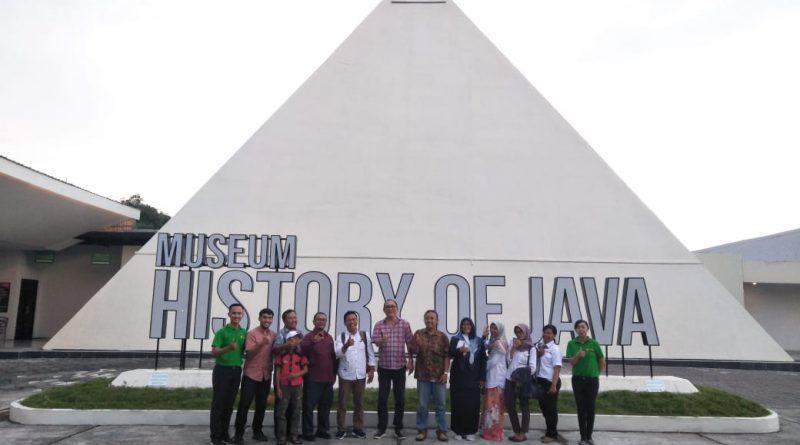 Museum Gumuk Pasir Menghadiri Pertemuan FKMB di Museum History of Java