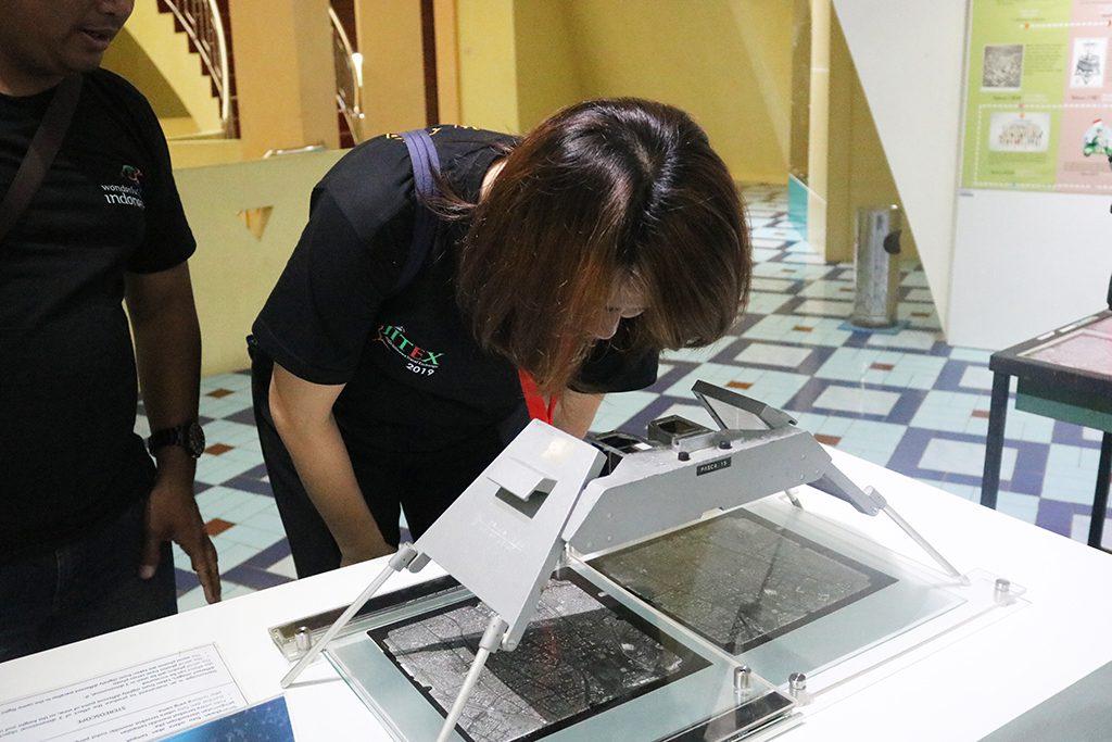 Fam Trip Jitex mencoba koleksi Museum Gumuk Pasir