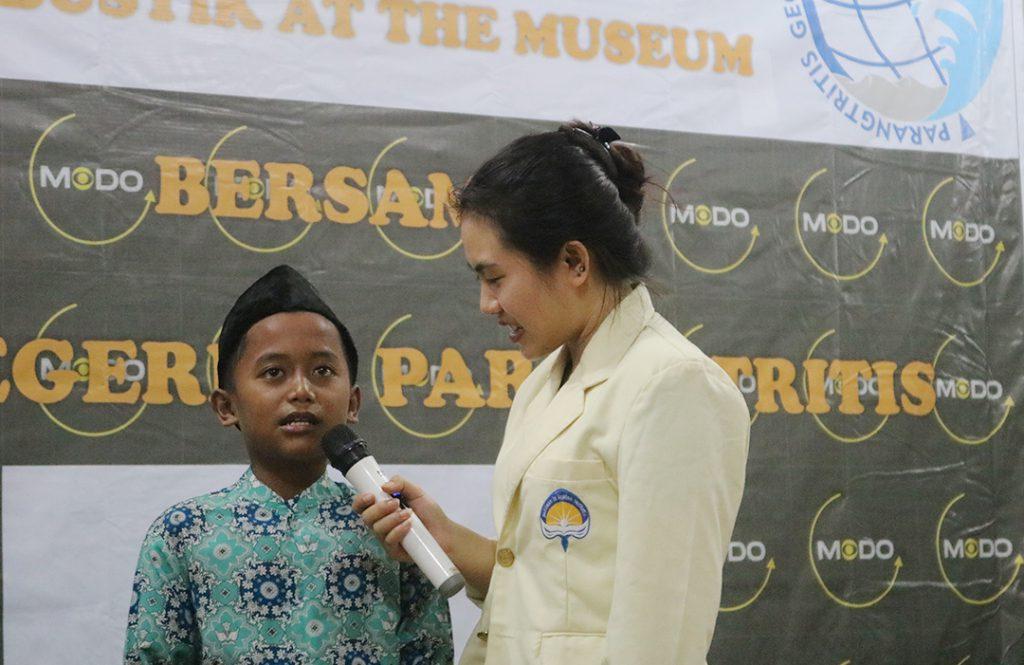 Atmajaya Yogyakarta Buka Bersama dengan SD 2 Parangtritis