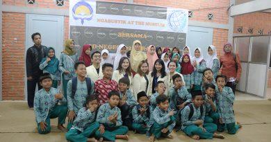 Ngabuburit bersama Atmajaya Yogyakarta dan SD 2 Parangtritis