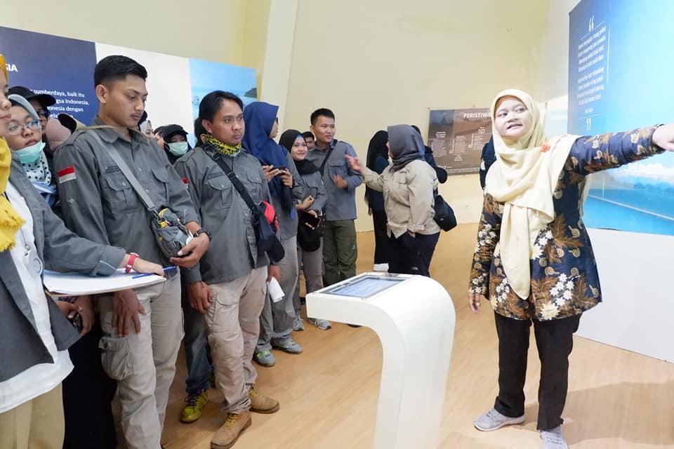 UNISMA Bekasi berkunjung ke Museum Gumuk Pasir