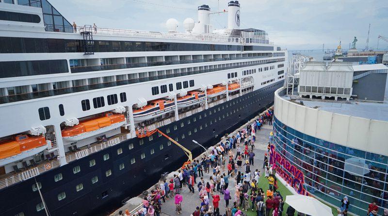 Pelabuhan Tanjung Perak Surabaya Sebagai Destinasi Wisata