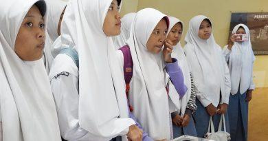 SMA N 1 Jetis Bantul berkunjung ke Museum Gumuk Pasir