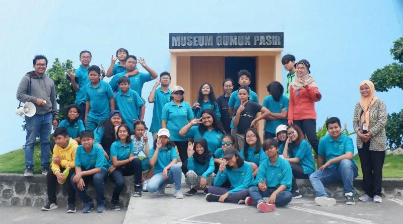 Outing Class Sekolah Tumbuh ke Museum Gumuk Pasir