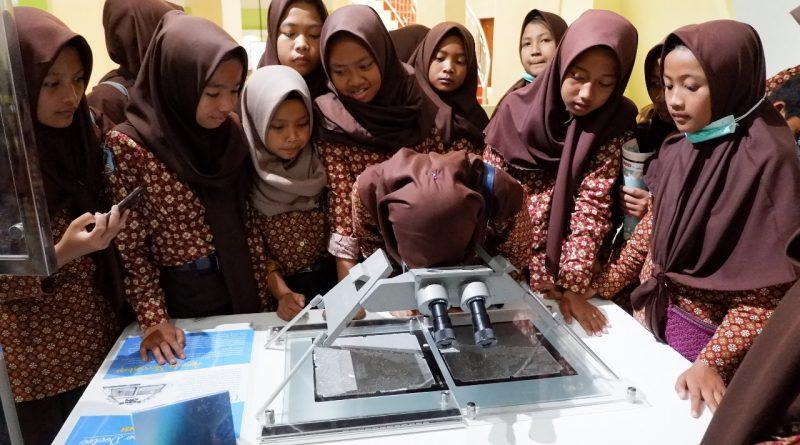 SMP N 4 Samigaluh berkunjung ke Museum Gumuk Pasir