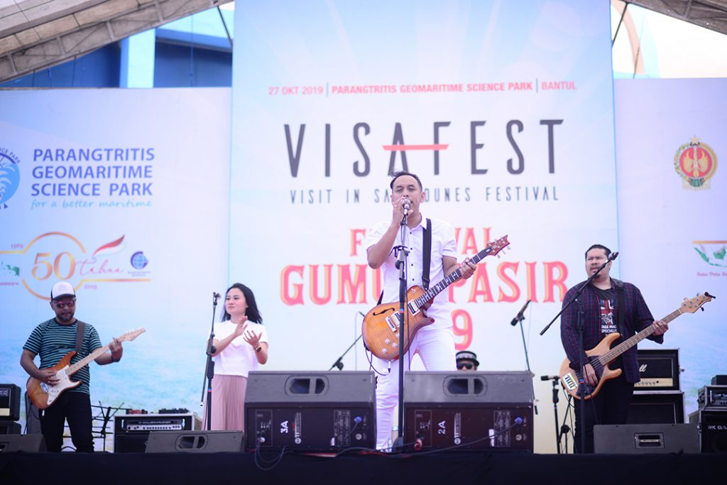 Guest Star Pongki Barata di Festival Gumuk Pasir