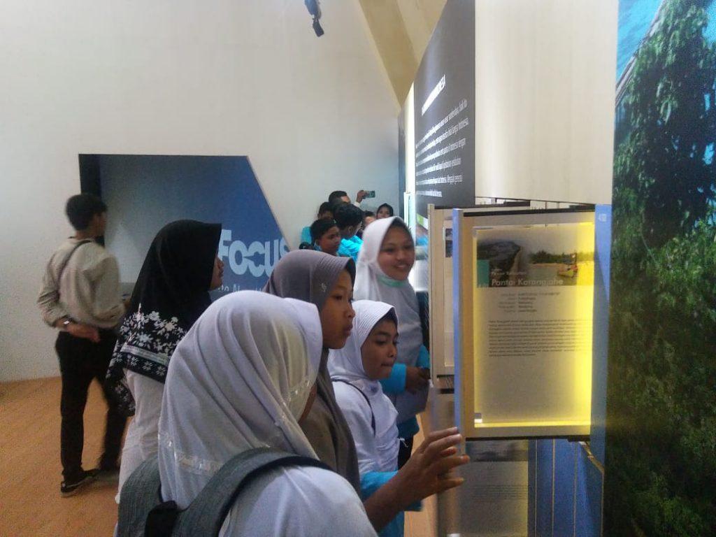 Belajar luar kelas SMP IT Assalam Sanden di Museum Gumuk Pasir