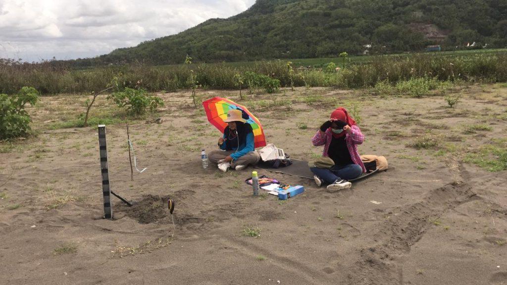 Survei gumuk pasir menggunakan sandtrap